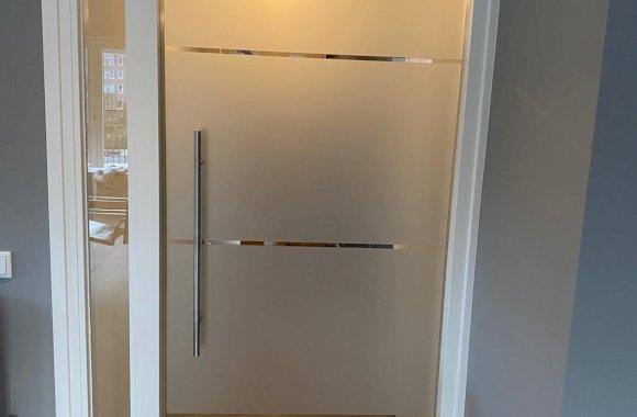 Glazen deur etsglas met zijlicht